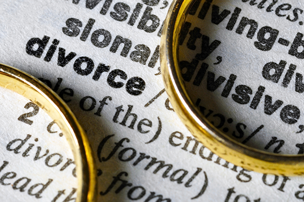 What Are the Legal Ways in Which a Divorce Complaint May Be Served in Texas?